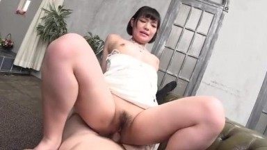 第一次上班的肥皂小姐被中出了~相马朱里01