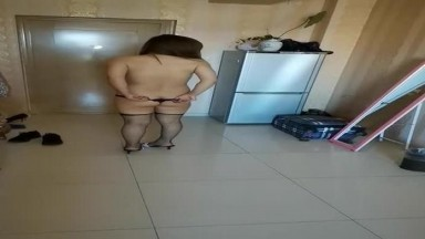 老婆的情趣丁字裤网袜